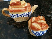 two orange-and-white wicker baskets Brossard, J4Z 2W2