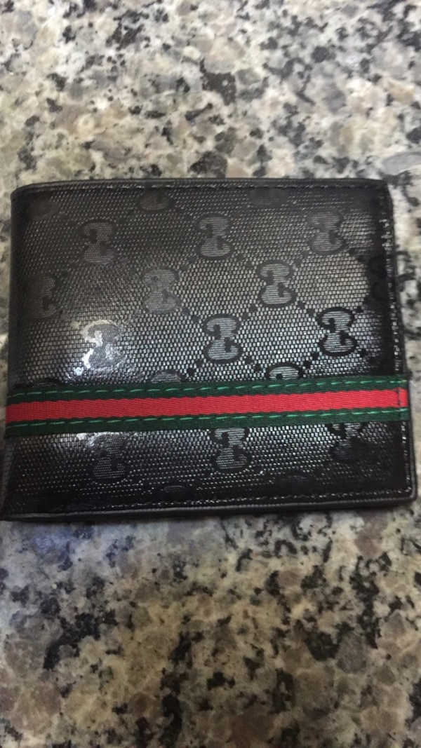 4eac570bb212d Used Gucci wallet for sale in Lawrenceville - letgo