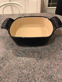 Pampered Chef small baker. Brand new. Never used Edmonton