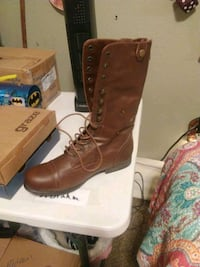Womans Bamboo boots size 11 Springfield, 65807