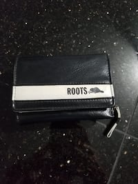 Roots leather wallet Toronto, M6S