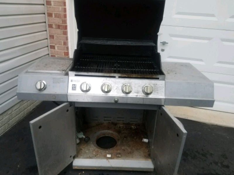 Charbroil grill 3