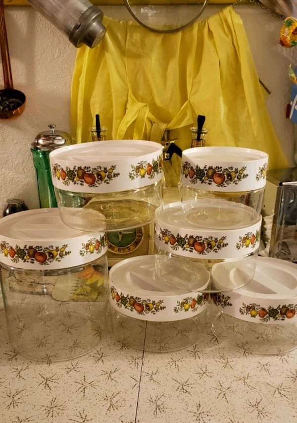 4b66733229c Used 6 glass Pyrex contianers for sale in Oakley - letgo