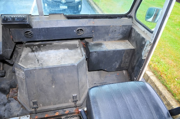 Chevy P30 Step Van Cube Panel Truck Delivery Lunch Truck Food Truck 19e8007e-d264-45a1-93f8-32c8b053d13c
