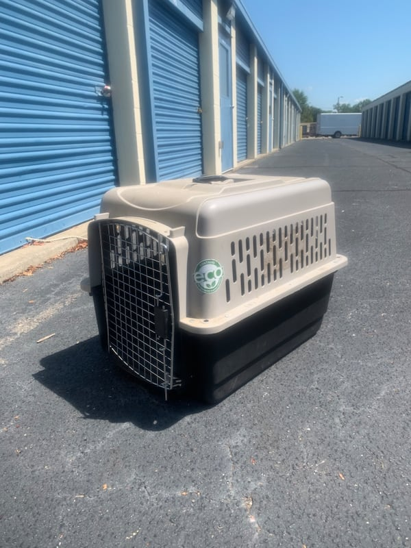 Large Dog Crate and Dog/Animal fence d06ee431-9696-4ba4-8b03-54d8a86dc4b4