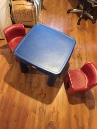 two blue and red plastic chairs Mirabel, J7N 1P3