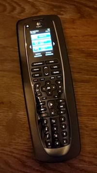 Logitech Harmony 900 Rechargeable Remote with Color Touch Screen Lake Forest, 60045