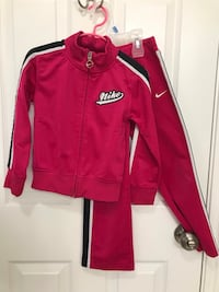Girl Nike sweatsuit Richmond, 77407