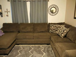 3 piece sectional in great condition.