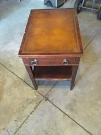 Night stand or coffee table 2 F by 1.5 F Fridley, 55432