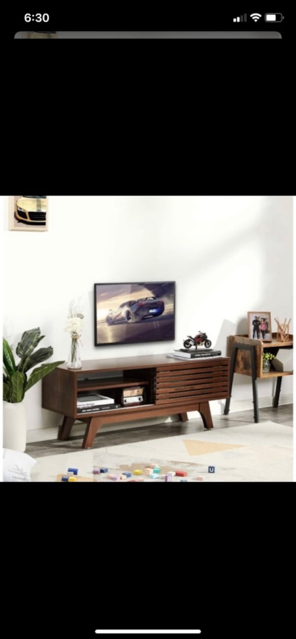 TV Stand bf38ef17-a836-44e3-8bd1-2858f278a179