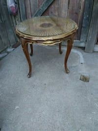 round brown wooden side table Sacramento, 95838
