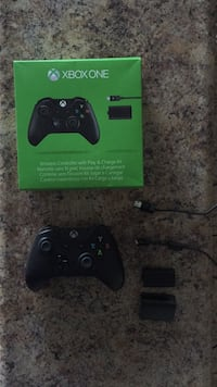 XBOX ONE Wireless Controller (With 3.5mm Audio Jack) with Play and Charge Kit. , N3W 1E2