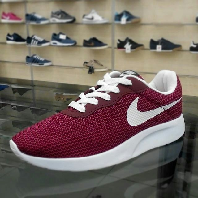 lower price with 62ed6 c4794 ... shopping maroon and white nike kaishi run 35a1c 39672