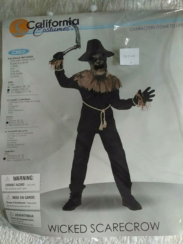Wicked scarecrow kids costume excellent condition 905fa73f-9307-41d4-a604-ddd2e0b92961