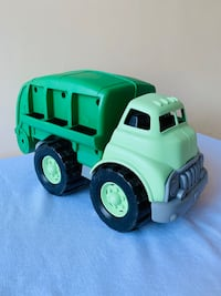 Green Toys Garbage Truck Sterling, 20164