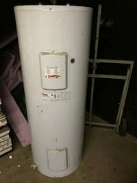 GIANT 60 gallons hot water tank Montreal, H1Z 2W4