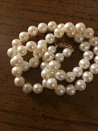 pearl and white pearl beaded bracelet Alexandria, 22302