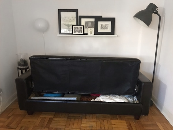 Black Leather Look Couch/Futon 994a38c6-5189-400d-a16c-0ac227b0472b