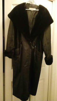 Full length women's leather coat Hagerstown, 21742