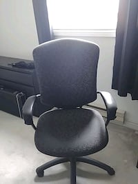Office desk chair Milton, L9T 2T2