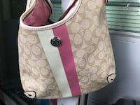 Authentic Coach purse Vancouver, V5Y 0J5