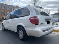 Chrysler - Town & Country - LX  Centreville, 20120