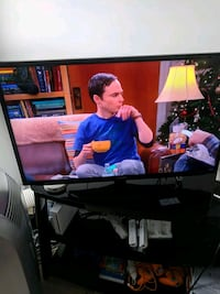 Samsung hd smart tv 40 inches  Vancouver, V6A 1R8