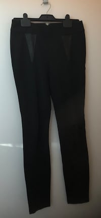GUESS pants, skirt and five tops (women size small) Montréal, H3H
