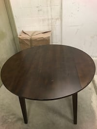 Convertible Dining Table Toronto, M3C 1V7