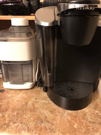 pet free and smoke free home keurig and juice maker Edmonton, T5B 3C9