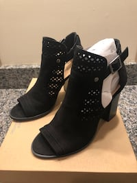 Size 7.5 Black Suede Ankle Bootie Chicago
