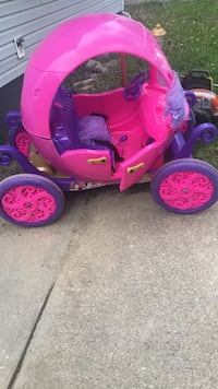 toddler's pink and purple trike  don't kno what's wrong with it Washington, 20024