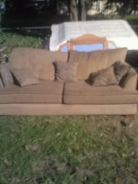 Couch and love seat Indianapolis, 46222
