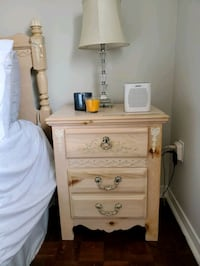 night stand Vaughan, L4H 1C4