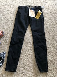 New with tags black ladies jeans pants. Size 3/4 Bakersfield, 93311