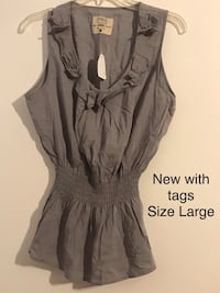 New with Tags Gray Bow Top Lincolnwood, 60712