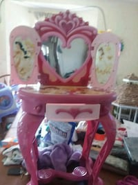toddler's pink and white vanity table Chilton, 76632