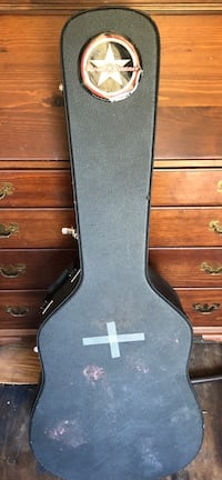 Acoustic guitar case New Port Richey, 34652