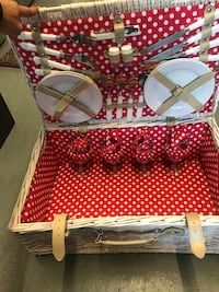 Picnic basket - never used brand new  Los Angeles, 90046