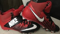 nike  football cleats. size 10.5