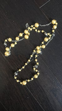 Gorgeous yellow beaded necklace