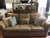 Sofa w/ queen pullout bed Washington