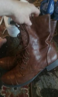 pair of brown leather boots Killeen, 76541