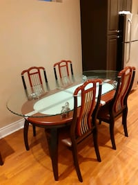 Dining Table with 6 chairs   Woodbridge, L4L