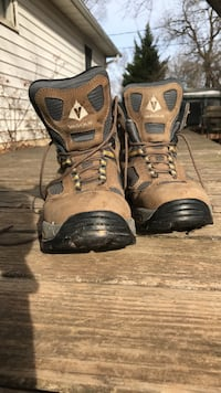 Vasque Gore-Tex XCR hiking boots Silver Spring, 20905