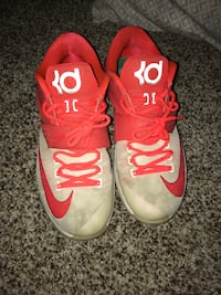 kd 7 egg nog size 11 Hazelwood, 63031