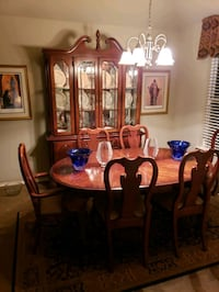 Table w/leaf(not shown), 6 chairs, hutch Oklahoma City, 73156