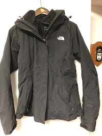 The Northface women's black rain shell with zip in fleece sz M Burnaby, V5G 3X4