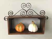 Wooden shelf  Wilmington, 28403